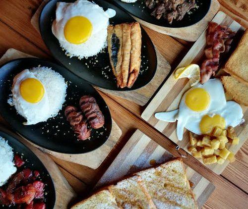 Eieren-bacon-brood